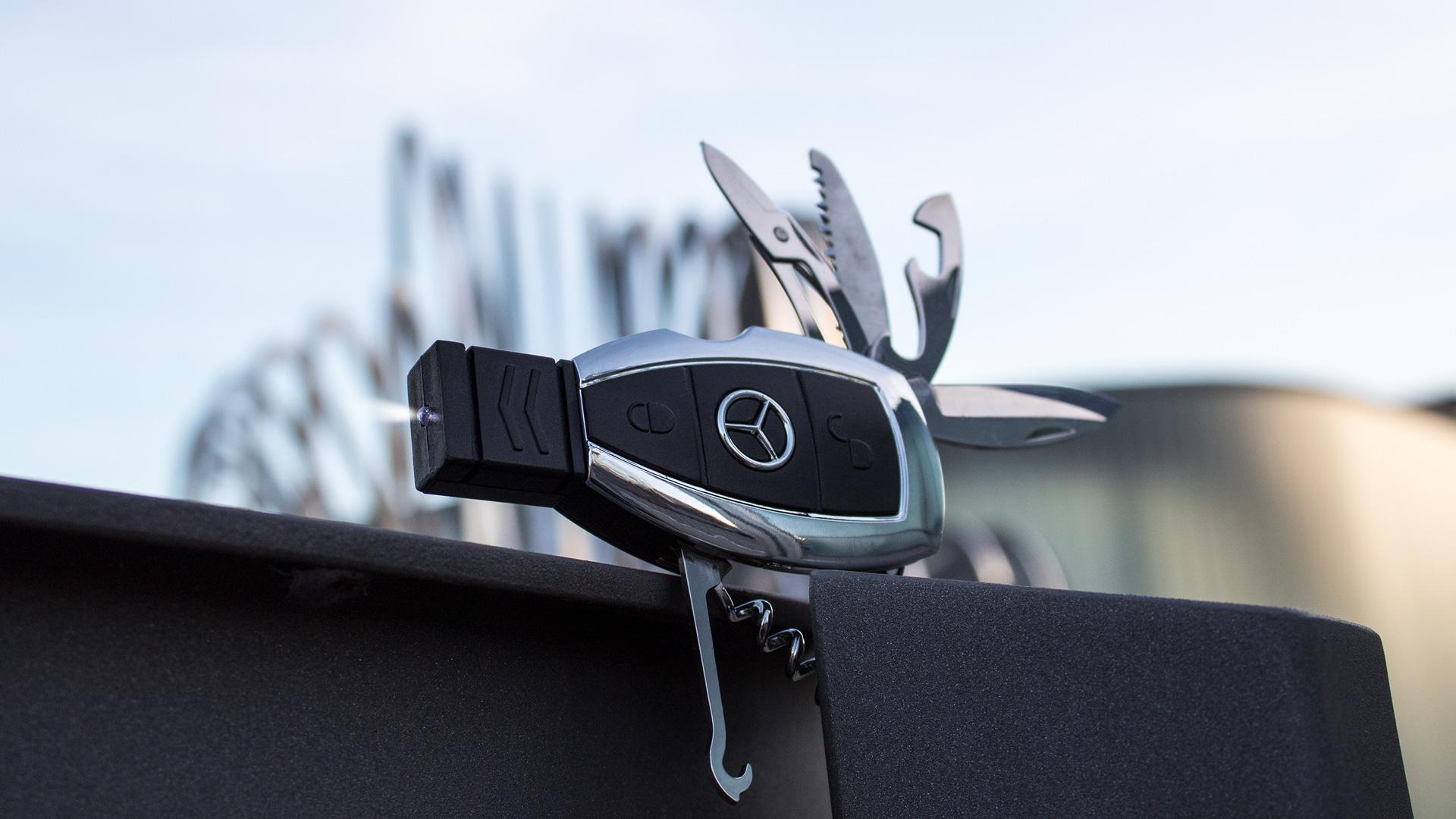 Daimler Multitool Sonderproduktion Werbartikel Full Service