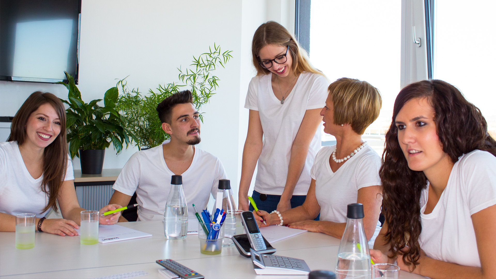 Unser Team lösungsoriertiert beratungsstark Ansprechpartner für Werbeartikel
